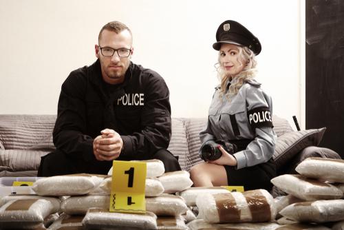 警察官に補導される